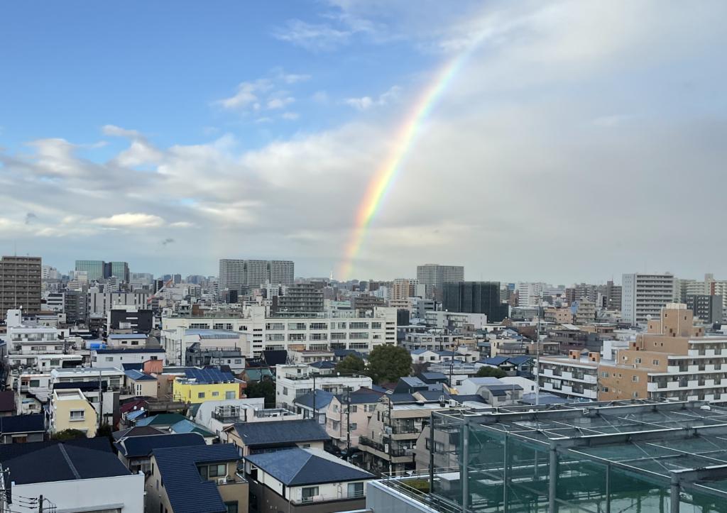 スカイツリーから伸びる虹
